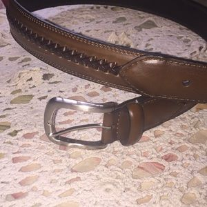 Brown braided leather belt w heavy silver buckle